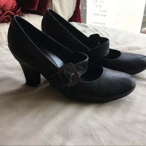Clark's Mary Jane heels